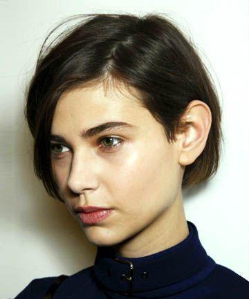 Frisuren für glattes Haar zum Sport