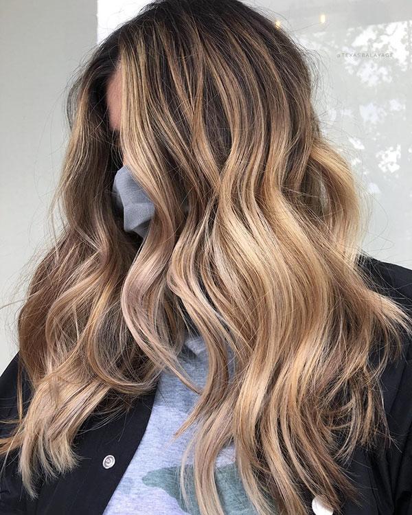 Cooles blondes Haar