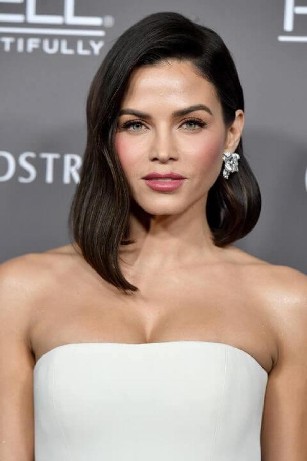 Dreiseitige asymmetrische Frisur Kurze Frisuren für Frauen 2020