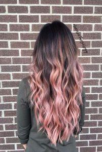langes braunes und rosa Ombre