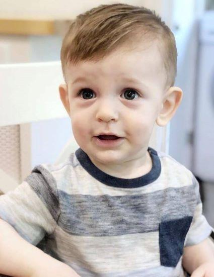 Top Baby Haarschneidestile 2021-Babys erster Haarschnitt