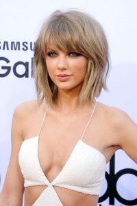 Taylor knallt kurzes Haar