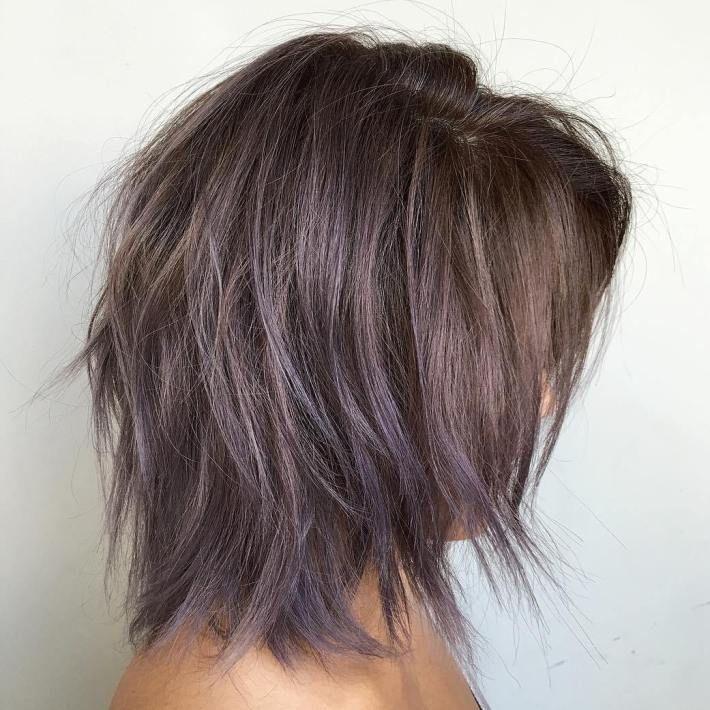 Niedliche mittlere Haarschnitte, um Ihre Fantasie anzuregen