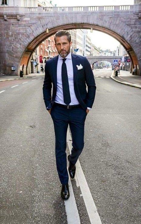 Ist das graue Haar für Männer der Trend, hier zu bleiben? | Grauer Bart Silberfuchs | Frisur auf den Punkt