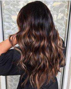 Mokka-Haare bei schlechten Lichtverhältnissen