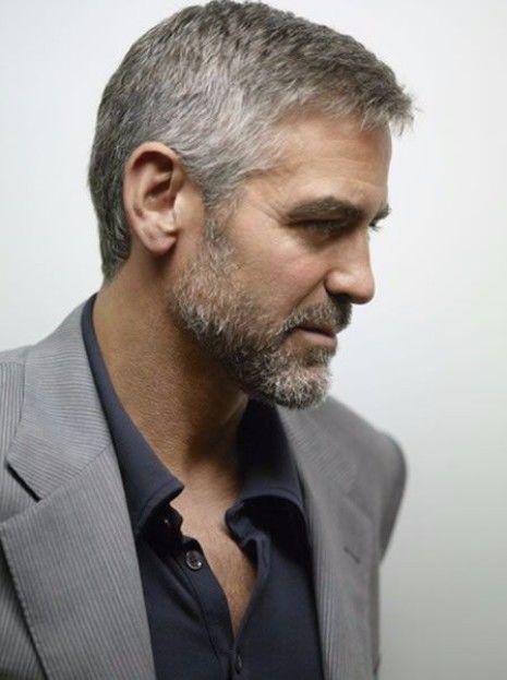 Ist das graue Haar für Männer der Trend, hier zu bleiben? | George Clooney Graues Haar | Frisur auf den Punkt