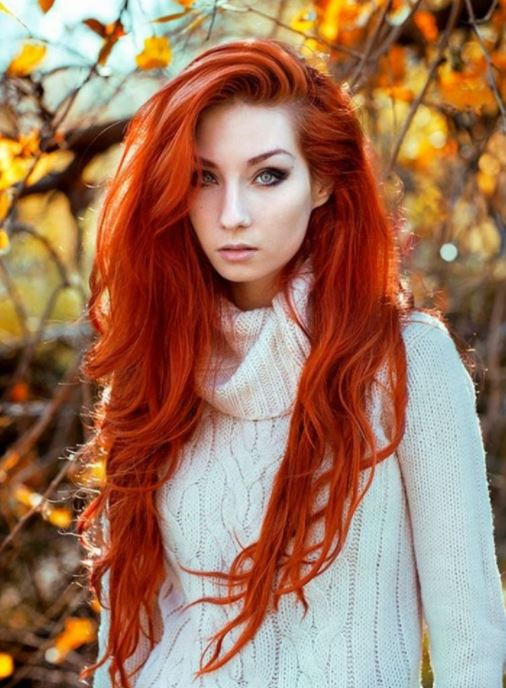 Schattierungen roter Haarfarben in den Jahren 2021-2022