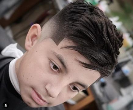 Die besten Frisuren für Jungen Schauen Sie sich die trendigen Frisuren für Jungen 2021 an