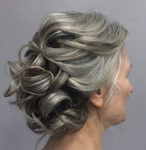 Frisuren der Mutter der Braut