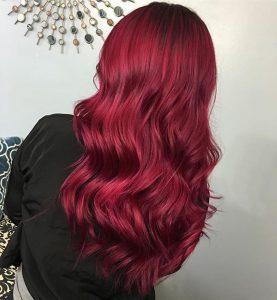rubinrote Haarfarbe