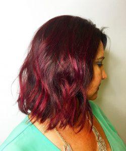 rubinrotes braunes Haar