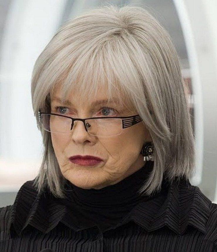 Frisuren für über 60 mit Brille