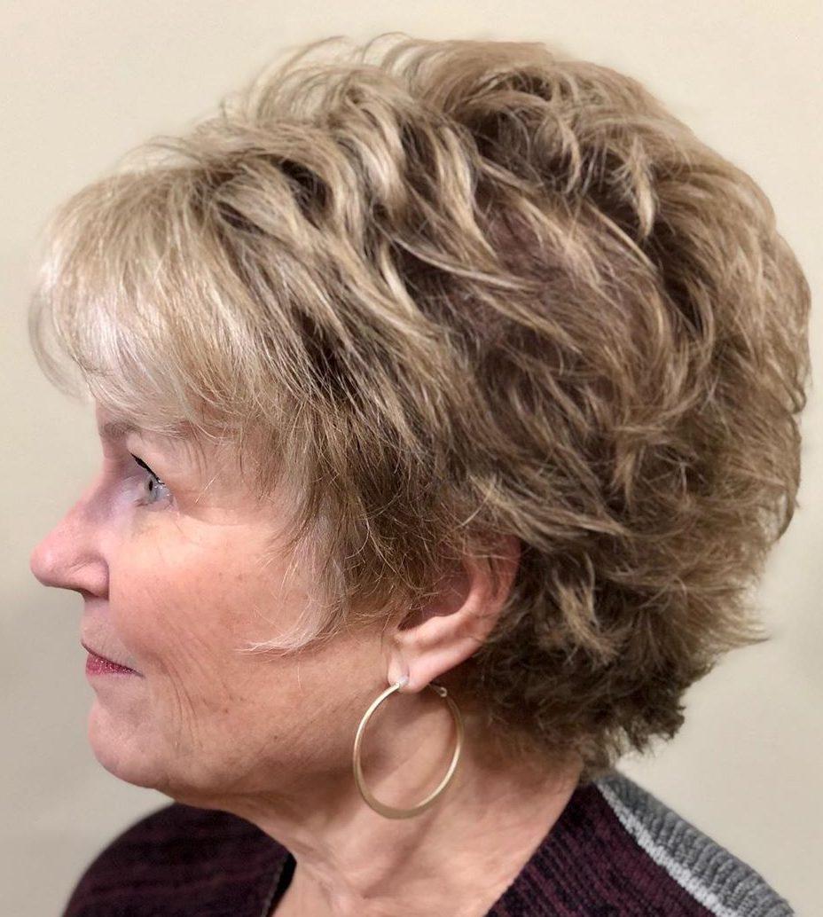Feines Haar, kurze Frisuren für über 60 Jahre
