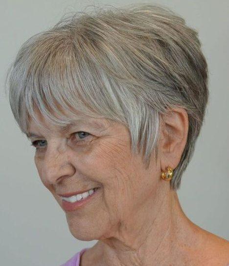 Kurze Frisuren für feines glattes Haar über 60
