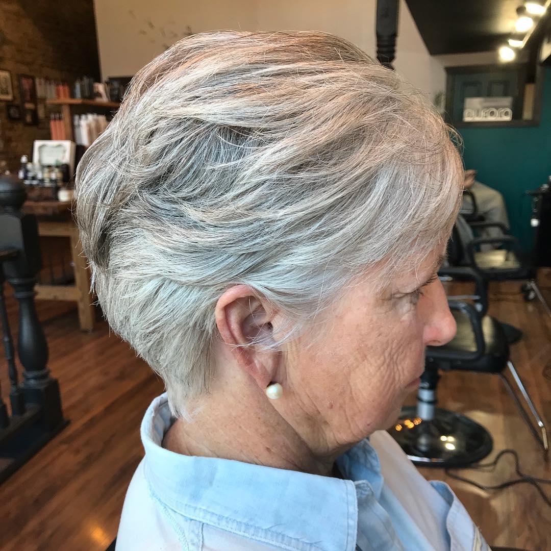 Frisuren für dünnes Haar über 70