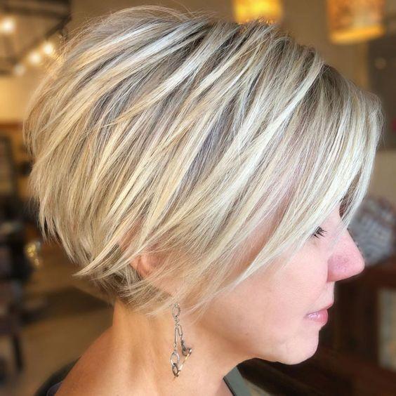 Pixie kurze Frisuren für feines glattes Haar über 60
