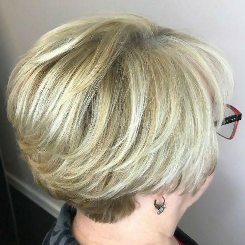 Pixie-Haarschnitte mit dünnem Haar für feines Haar über 60
