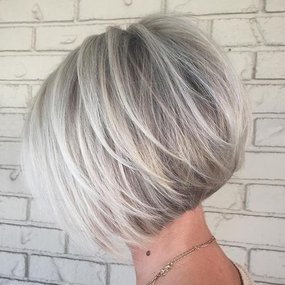 über 50 Frisuren für Frauen