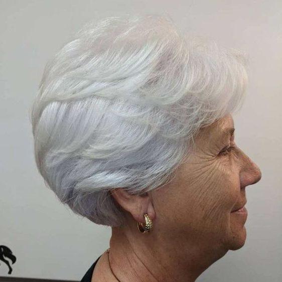 Pixie Kurzhaarfrisuren für Frauen über 70