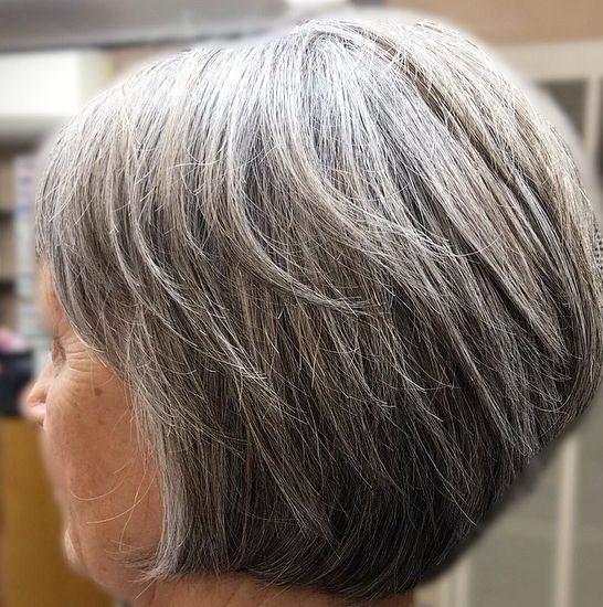 pflegeleichte Seniorenfrisuren für 70-jährige Frau
