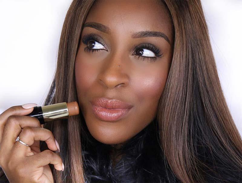 Tipps zur Suche nach der besten Grundlage für dunkle Hauttöne