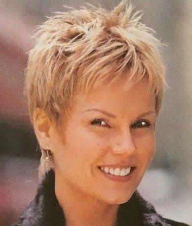 Dünne Haare, kurze Frisuren für Frauen über 50