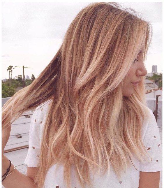 Balayage kurze erdbeerblonde Haare