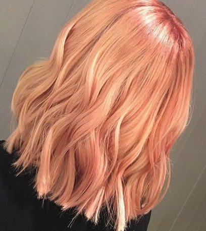 pfirsichblonde Haarfarbe