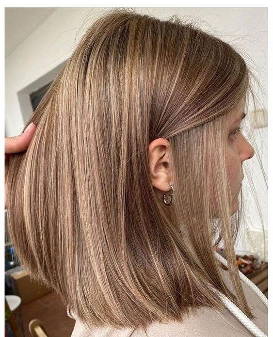 braune karamellbraune Haarfarbe für kurzes Haar