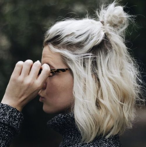 schulterlanges Haar glatt