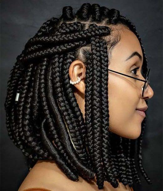 kurze Box Zöpfe Frisur für Frauen