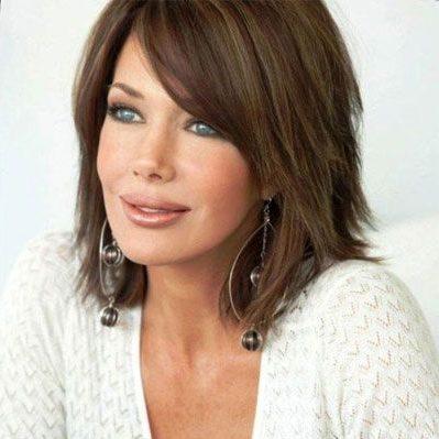 geschichtete Frisuren für ältere Frauen