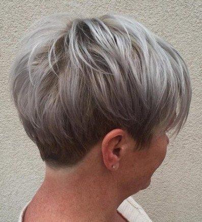Trendy kurze graue Frisuren