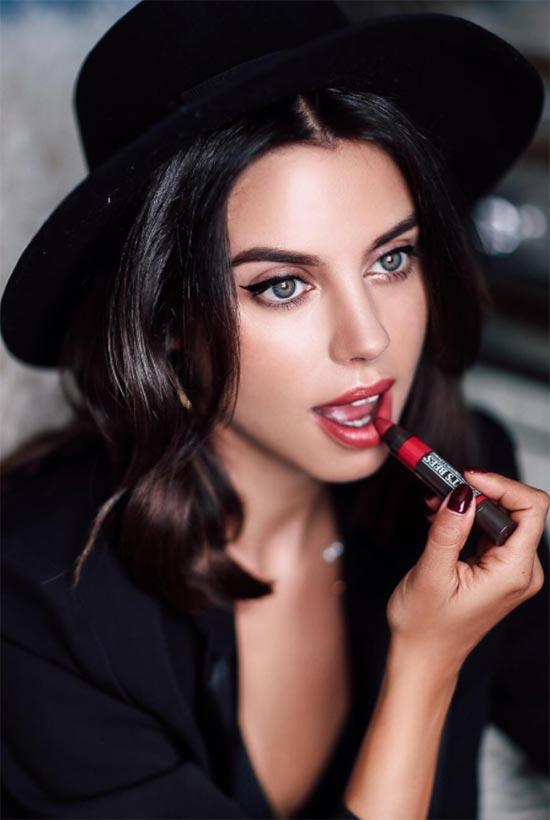 Wie man Lippenstift aufträgt, um die Lippen größer zu machen