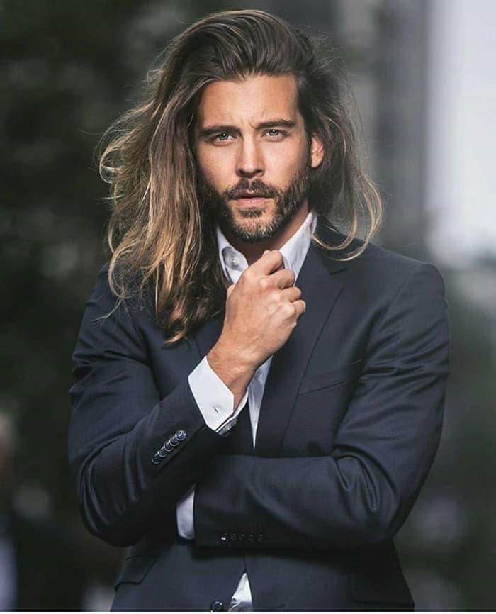 Nobles langes Haar für Männer