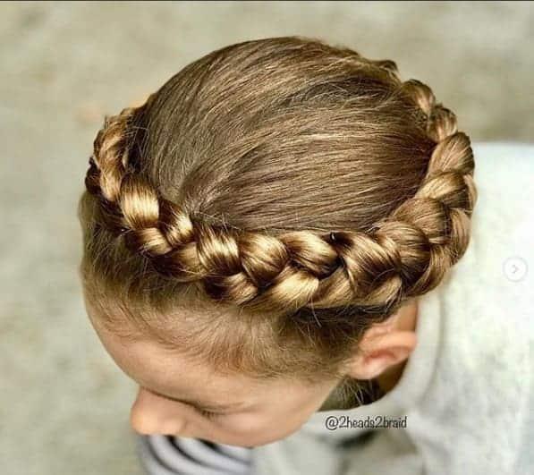 Crown Braids Frisur für Schulmädchen
