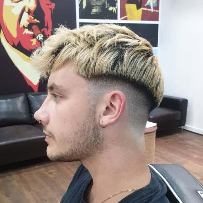 Platinum Blonde Disconnected Undercut & Glattes Haar nach vorne fegen