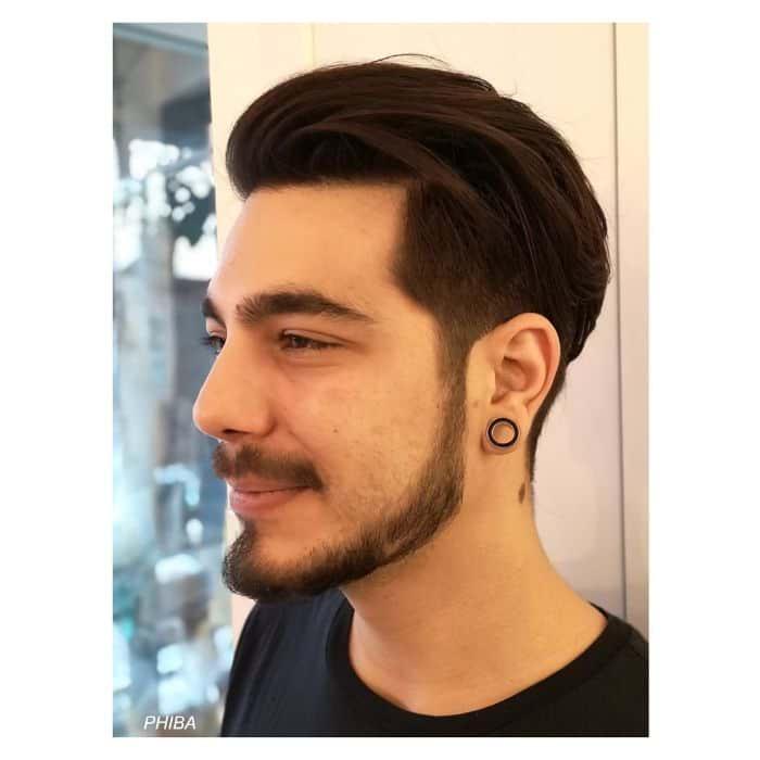 Wie man langes Haar zurückschiebt