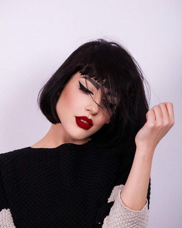 weibliche kurze Haarschnitte