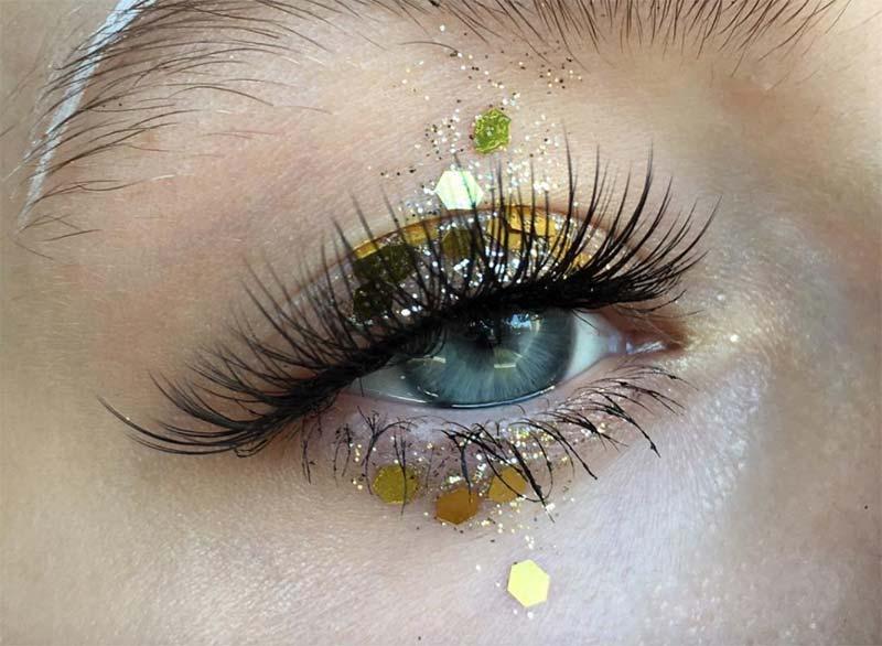 Glitter Eye Makeup Tutorial: So wenden Sie Glitter Eyeshadow an