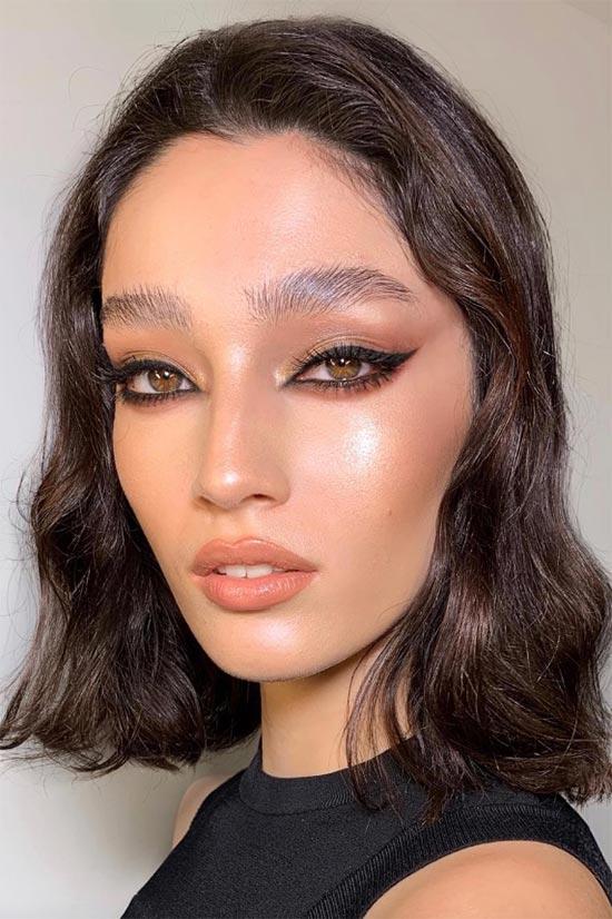 How to Use Liquid Eyeliner