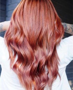 Erdbeer Auburn Haar