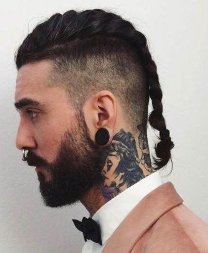 Mittelschwanzseitig gereinigter Haarschnitt