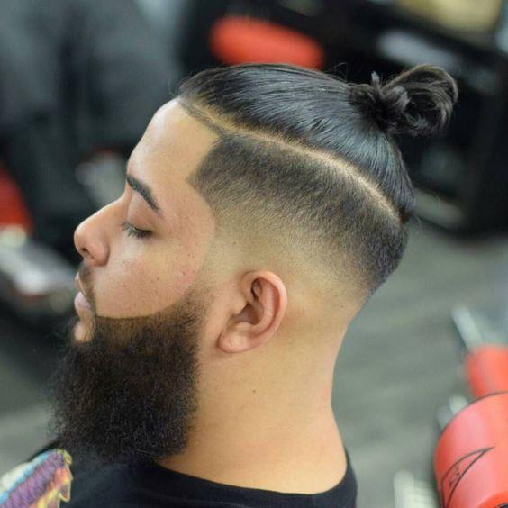 Runder, verblassener kleiner Knoten Haaraufbau