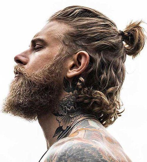 Traditionelle Viking Braids Haare