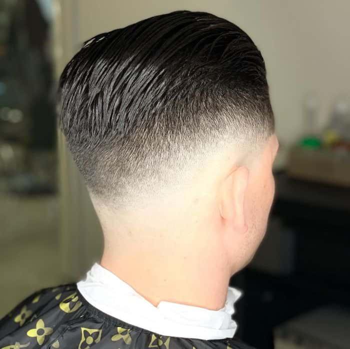 Zurückgestrichene Frisuren