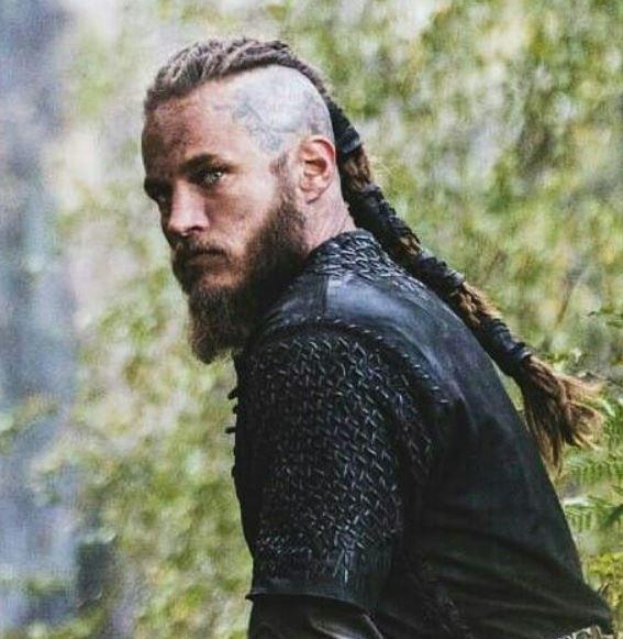 Long-Tail-Wikinger-Haarschnitt