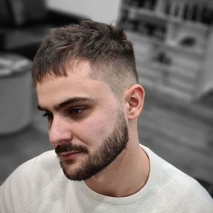 Getrennte Undercut-Frisuren
