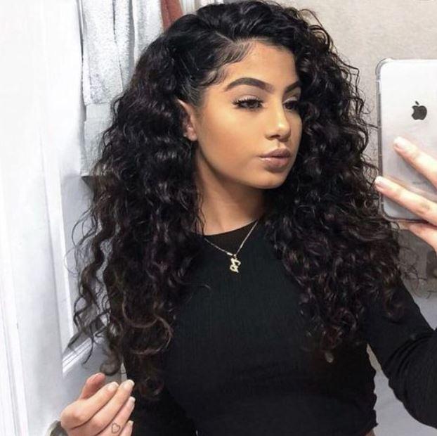 Frisuren für lockiges Baddie-Haar