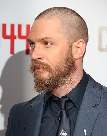 Bart mit dünnen Strähnen_